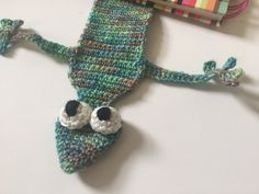 Crochet gecko bookmark, link to the free pattern