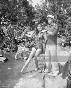 dawn wells and toys - Bing images Vintage Tv, Vintage Hollywood, Classic Hollywood, Vintage Pins, Vintage Images, Giligans Island, Island Girl, 1960s Tv Shows, Old Tv Shows