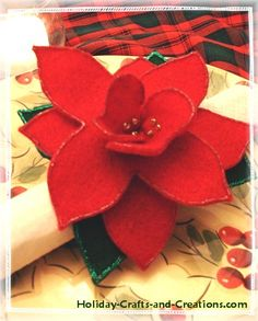 These Christmas napkin rings are fun and easy to make, and will bring elegance and charm to your dinner table. They are made out of felt, so they are inexpensive as well! Christmas Napkin Rings, Christmas Napkins, Christmas Tablescapes, Christmas Table Decorations, Christmas Makes, All Things Christmas, Christmas Holidays, Christmas Ideas, Christmas Wreaths