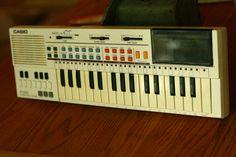 Casio PT - 80 Vintage Keyboard, 1980 Casio, White Keyboard, 80s Electronics, Old…