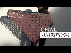 Chal Mariposa (Actualizado) - YouTube Crochet Triangle, Crochet Butterfly, Triangle Scarf, Knitted Shawls, Crochet Shawl, Crochet Stitches, Crochet Top, Cape Diy, Crochet Designs