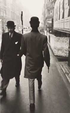 19 Extraordinary Black and White Photographs of London in the Early 1950s