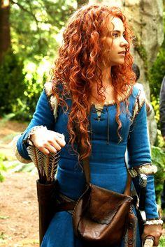 Amy Manson will play Princess Merida (Brave) in s5.