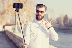 Сильная половина Instagram: мужчины спародировали лучшие фото королев селфи