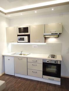 "Képtalálat a következőre: ""pici konyhák képek"" Kitchen Cabinets, Home Decor, Houses, Decoration Home, Room Decor, Cabinets, Home Interior Design, Dressers, Home Decoration"