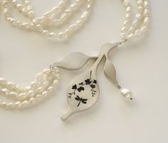 Melitina Balabin  AN OLD TREE'S STORY, necklace, 2010, silver, patina, freshwater pearl