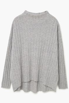 Who doesn't get excited about new cashmere? Not so for the price tag… Thankfully several of our go-to high street brands are opting in on these undeniably luxurious knits. Here's where we're heading for cashmere that doesn't break the bank.