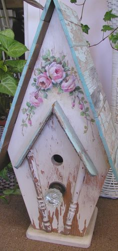 mammabellarte ~ gorgeous birdhouse made by mammabellarte, painted by Christie Repasy