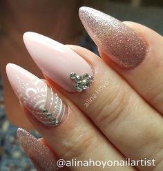 Beautiful Unique and Trendy Nail Designs 2017 Nail Designs 2017, Nail Art Designs, Fancy Nails, Love Nails, Nail Tech School, Mandala Nails, Nail Time, Finger, Swarovski Nails