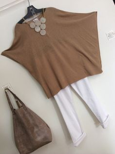White Pants with a fabulous Cotton Sweater & accessories, a must-have for Spring.