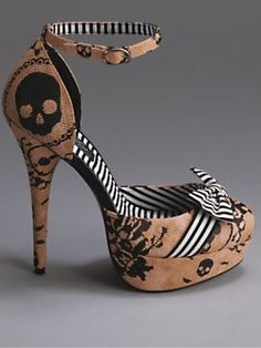 Love these skull print shoes!