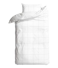 H&M bed linen Duvet Sets, Duvet Cover Sets, My New Room, My Room, Hm Home, White Duvet Covers, Bed Curtains, Home Bedroom, Bedrooms