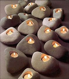 That is why we have brought to you a flood of candle making projects with our 47 cool DIY candle and candle holder ideas. Stone Crafts, Rock Crafts, Arts And Crafts, Deco Nature, Ideias Diy, Candle Set, Candle Holders, Diy Candles, Ideas Candles