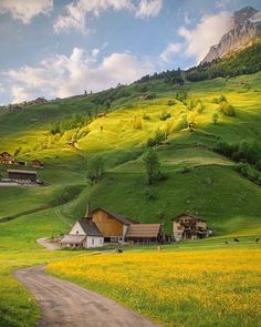 Landscape Photography, Nature Photography, Travel Photography, Beautiful Places To Travel, Wonderful Places, Cenas Do Interior, Mexican Hacienda, Switzerland Vacation, Image Nature
