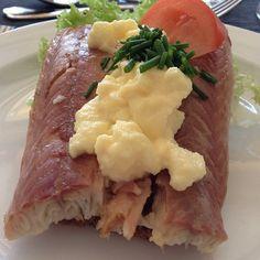 Røget Ål med Røræg og Purløg (smoked eel with scrambled egg and chives) at Restaurant Kronborg Havbad, Helsingør