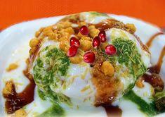 Raj Kachori Chaat Video Recipe by Bhavna - Indian Street Food Recipe Indian Wedding Food, Wedding Food Menu, Chaat Recipe, Indian Breakfast, Indian Street Food, Exotic Food, Food Festival, Indian Food Recipes, Love Food