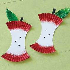 Paper Plate Apples. Saw these in the BJs journal and thought you would like them
