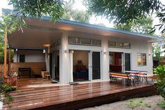 Prefab homes and modular homes in Australia: Ecoliv Sustainable Modular Homes Prefab Modular Homes, Prefabricated Houses, Modern Modular Homes, Modular Home Designs, Small House Design, Kit Homes, Sustainable Living, Sustainable Houses, Cabana