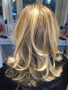 champagne blonde highlight goldwell