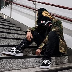 "209 Me gusta, 6 comentarios - K.ryoya (@k.ryoya0816) en Instagram: ""・ ・ ・Bape Shark Hoodie ・ ・Jaket and vans was plesented by my girlfriend /#parker #bape…"""
