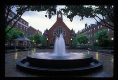 Dahlgren fountain and chapel, Georgetown University