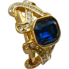 Elizabeth Taylor Sparkle Kiss Collection Ring - available from The Vintage Jewelry Boutique.