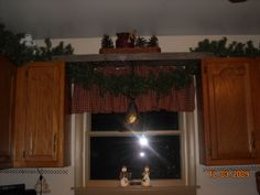 String Lights Above Kitchen Cabinets : Christmas lights above the cabinets...love it! Christmas ideas Pinterest Country Kitchens ...