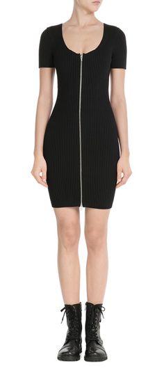 Verbindet+urbane+Coolness+und+Sex-Appeal:+das+schwarze+Rippstrick-Dress+von+T+by+Alexander+Wang+#Stylebop