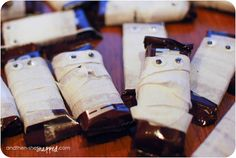 and then, she {snapped}: Easy Halloween Chocolate Mummy Treats