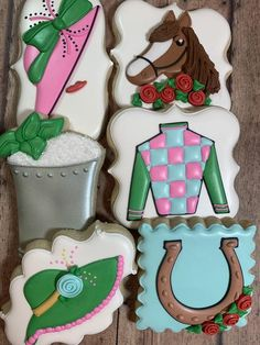 Strawberry glasses with macaroon biscuit - HQ Recipes Almond Sugar Cookies, Best Sugar Cookie Recipe, Best Sugar Cookies, Derby Day, Cookie Icing, Cut Out Cookies, Kentucky Derby, Cookie Designs, Roller Derby