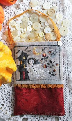 The Snowflower Diaries: HAUNTED HOUSE (2013)  FREE cross stitch pattern