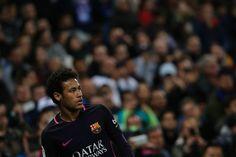 Barcelona's Brazilian forward Neymar looks on during the Spanish league football match RCD Espanyol vs FC Barcelona atthe Cornella-El Prat stadium in Cornella de Llobregat on April 29, 2017. / AFP PHOTO / PAU BARRENA