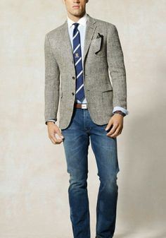 A great blazer with a nice, simple jean has a nice, collegiate look.