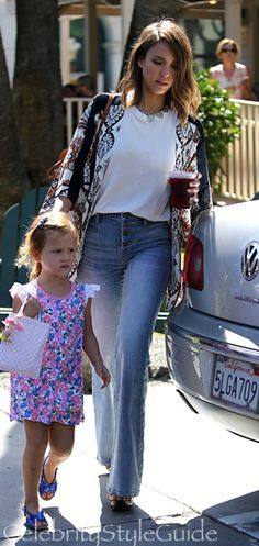 Jessica Alba Wears A Moroccan Mosaic Kimono And Flare Jeans Out With Her Family This Weekend