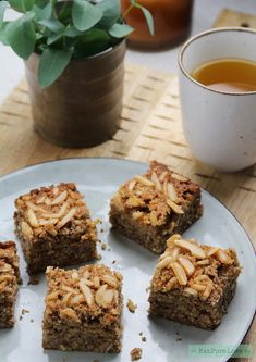 Glutenvrije speculaas plaatkoek met amandel en appel   Eat.Pure.Love Gluten Free Cakes, Gluten Free Baking, Gluten Free Recipes, Healthy Bars, Healthy Baking, Vegan Cake, Vegan Desserts, Happy Foods, No Bake Cake