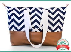 Gilded Chevron Tote: Deck The Halls with Fabric.com | Sew4Home http://www.sew4home.com/projects/storage-solutions/gilded-chevron-tote-deck-halls-fabriccom