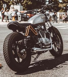 Classic Car Insurance – Information And Tips – Best Worst Car Insurance Vintage Motorcycles, Custom Motorcycles, Custom Bikes, Cars And Motorcycles, Scrambler Motorcycle, Bobber, Cafe Racers, Yamaha Xs 400, Hot Rods