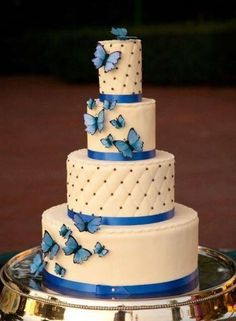 25 Awesome Wedding Cakes With Butterflies Butterfly Wedding Cake, Butterfly Cakes, Butterfly Birthday, Butterflies, Elegant Wedding Cakes, Wedding Cake Designs, Beautiful Cakes, Amazing Cakes, Bolo Floral