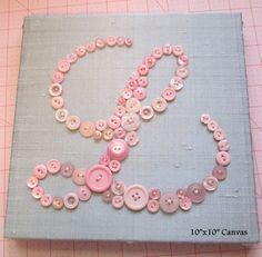 Baby Mädchen Kinderzimmer Wandkunst, Kids Wandkunst, Button, Rosa Schaltfläche Baby Initial auf grau grau Seide Leinwand, einzigartige Baby-Dusche-Geschenk  Sonderanfertigungen--Bitte lesen:  Brief und Briefstil: Liste schreiben, müssen Sie im Anhang zum Verkäufer beim Check-Out, sowie keine Wünsche Sie für den Briefstil (groß- und Kleinbuchstaben, kursive oder Block haben). Ich schicke Ihnen dann verschiedene Buchstaben-Stile zu schauen über. Bitte denken Sie daran wenn das ist ein…