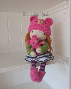 Hello! I'm Stephanie❤ #crochet #crochetdoll #amigurumi #amigurumidoll #handmade #lovebear #lovecrochet #rusidolls #madebyrusi