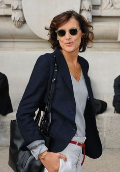 Инес де ля Фрессанж на street style Недели моды в Париже