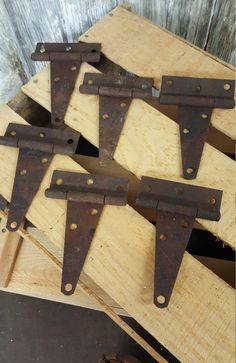 Farm Primitive Salvage Set of 6 Rusty Barn Hinges by birchleaves on Etsy