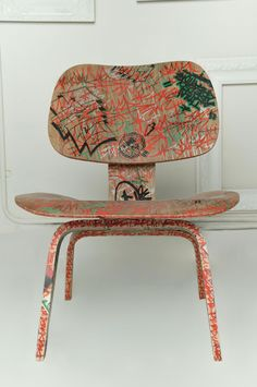 Eames LCW Chair – Graffiti Fred (Red Tag) @ Fred Lives Here- Singapore Graffiti Furniture, Art Furniture, Vintage Furniture, Furniture Design, Adirondack Chair Cushions, Composite Adirondack Chairs, Bean Bag Gaming Chair, Mixed Dining Chairs, Navy Blue Living Room