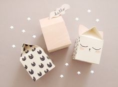 How cute are these paper houses? They'd make lovely gift wrapping