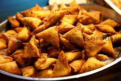 another universally accepted anytime snack..samosa!... not just a story here...a story everywhere... https://www.facebook.com/thestoriesofdubai