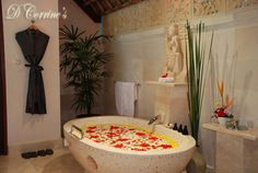 Escape yourself from business and jump into this heavenly bath-tub. You deserve it!