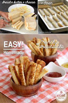 So asy to make these Crunchy Homemade Breadsticks - Aperitivo fácil de fazer: palitos de parmesão feitos com pão de forma, manteiga e parmesão.