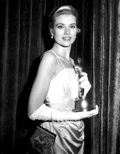 Grace Kelly, Oscars 1955
