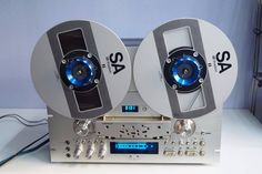 Pioneer RT-909 Open Reel Tape Deck found on facebook:  https://www.facebook.com/odechelette/photos/pcb.631319357071005/631319033737704/?type=3&theater