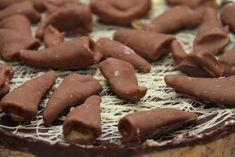 Smash iskake - My Little Kitchen Little Kitchen, Candy, Chocolate, Desserts, Food, Tailgate Desserts, Deserts, Essen, Chocolates